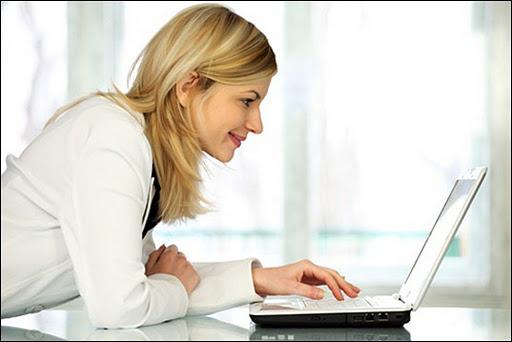 Картинки по запросу человек за компьютером дома