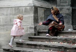 Как научить ребенка милосердию11