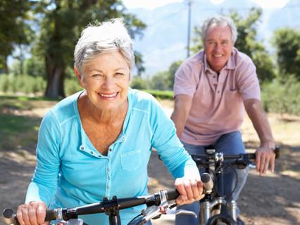 Высокий уровень социальной активности в пожилом возрасте может облегчить процессы старения2